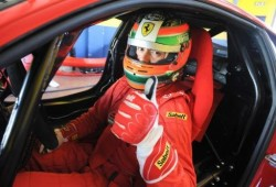 Ferrari prueba al 458 Challenge en Vallelunga.