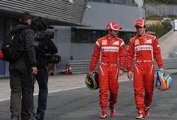 Ferrari se queda un día más en Jerez