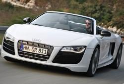 Iron Man 2 y su coche, un Audi R8 descapotable