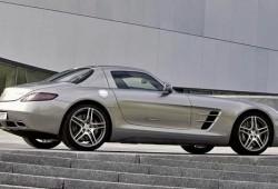 Mercedes SLS AMG, el deportivo alemán que nacio como un Viper.