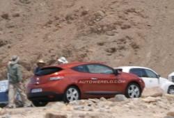 Nuevo Renault Megane III pillado al completo