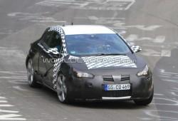 Opel Astra GTC 2011 correteando en Nürbrurgring