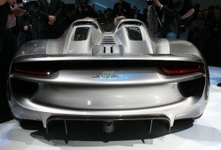 Porsche 918 híbrido descapotable entraría a producción