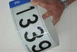 Se homologan las matrículas de plástico