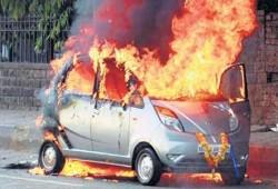 Tata Nano con problema de combustión, externa.