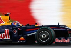 Video: Espectacular accidente del  Red Bull de Webber en Valencia
