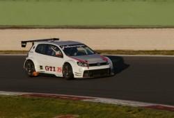 Volkswagen enseña el Golf que participará en las 24 Hs de Nürburgring
