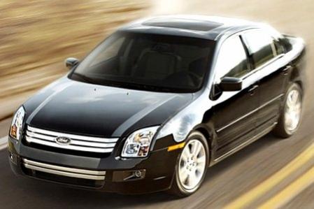 Ahora investigan algunos modelos de Ford por problemas con el acelerador.