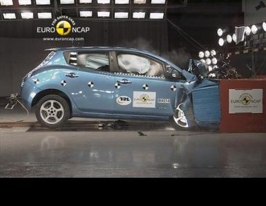 El Nissan Leaf consigue las cinco estrellas de la EuroNcap