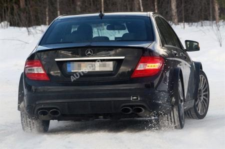 Mercedes Benz C 63 Black Series, a por los Audi S, el BMW M5 y el Porsche Panamera Turbo S
