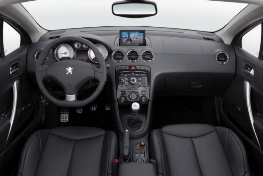 Nuevo Peugeot 308 cc, imágenes e información.