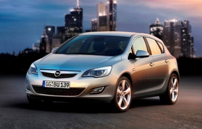 Opel Astra 2010, el pequeño Insignia ya está a la venta