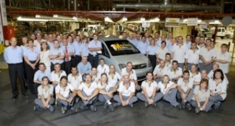 Opel fabrica un millon de Merivas en Figueruelas.