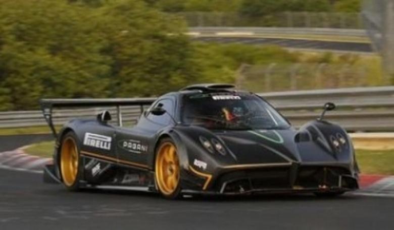 Pagani supera el record del Ferrari 599XX en Nürburgring.