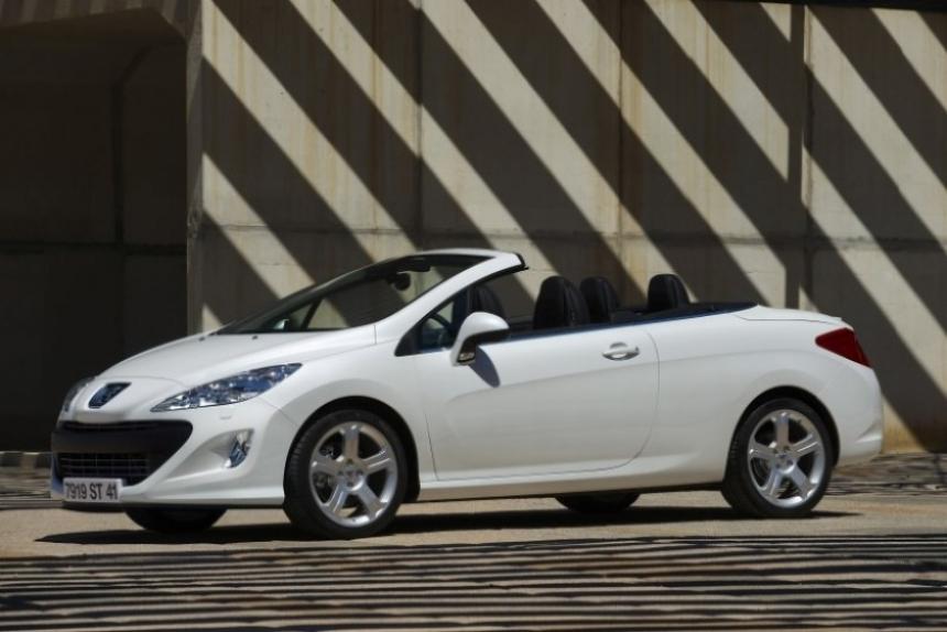 Peugeot suma el motor 1.6 de 200 CV al 308 CC.