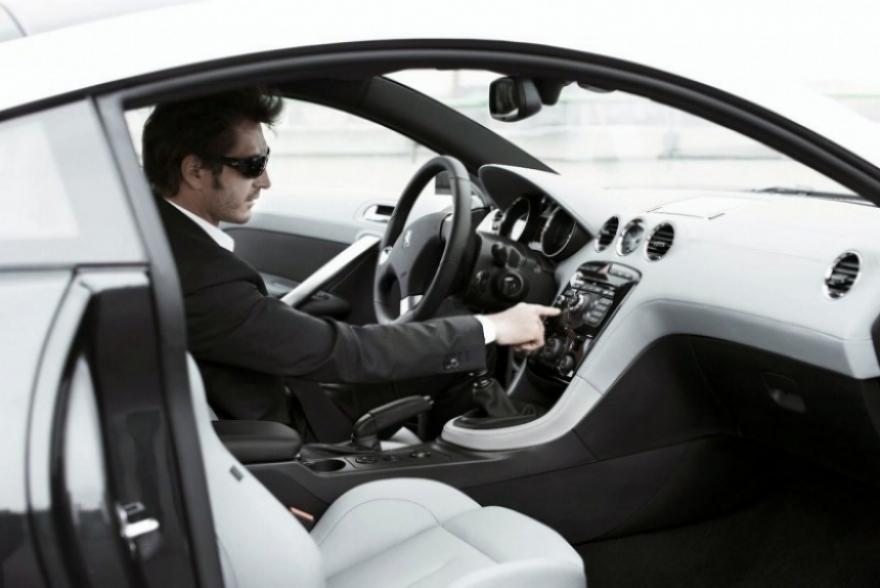 Peugeot supera sus limites con el lanzamiento del RCZ.