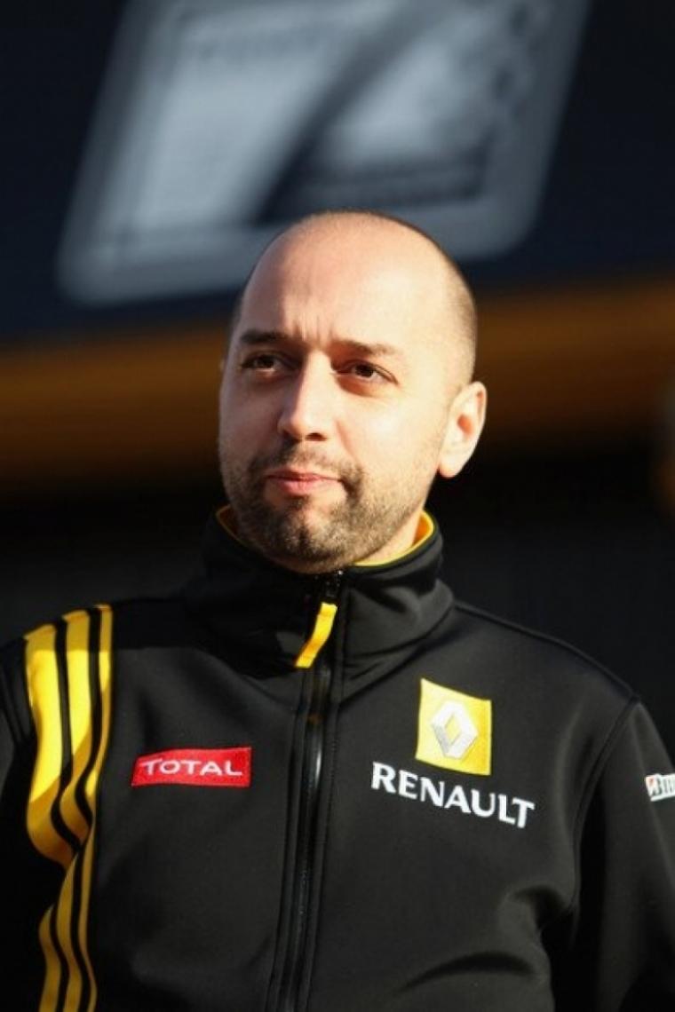 Renault: López quiere un sustituto con experiencia