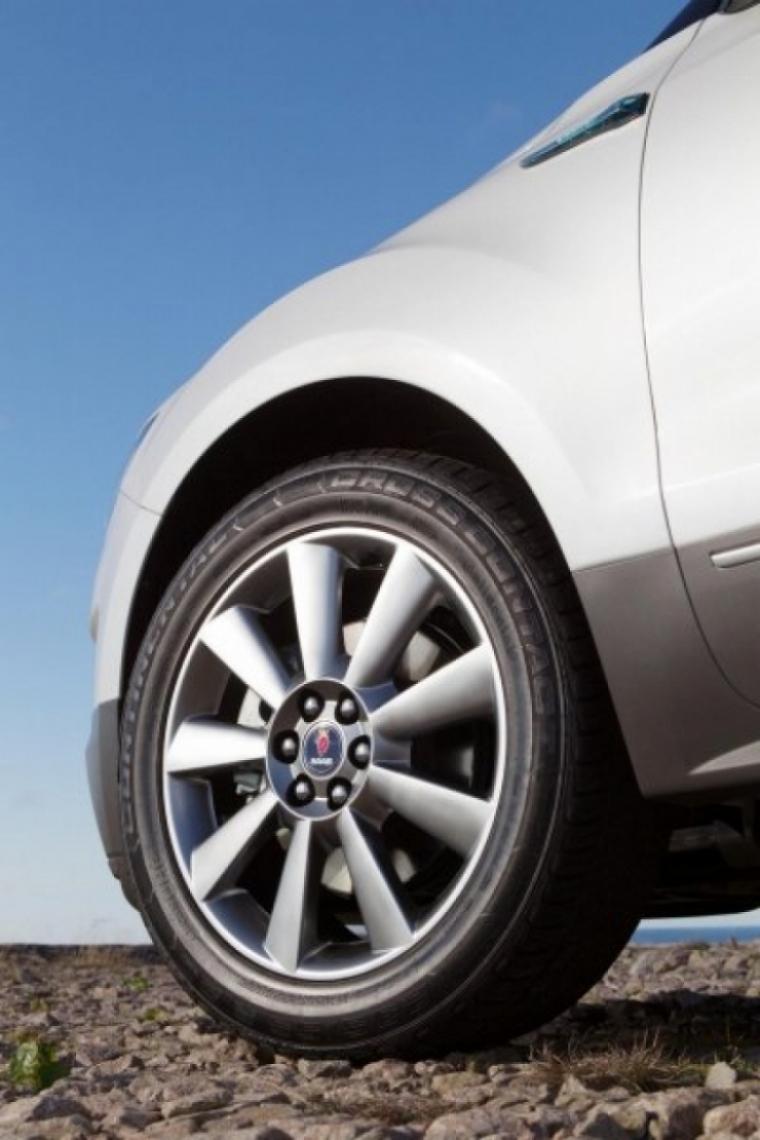 Saab presenta oficialmente el 9-4X