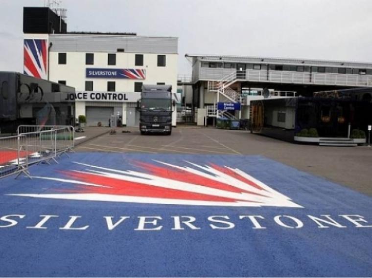 Silverstone firma por 17 años. Ya hay 6.000 entradas vendidas