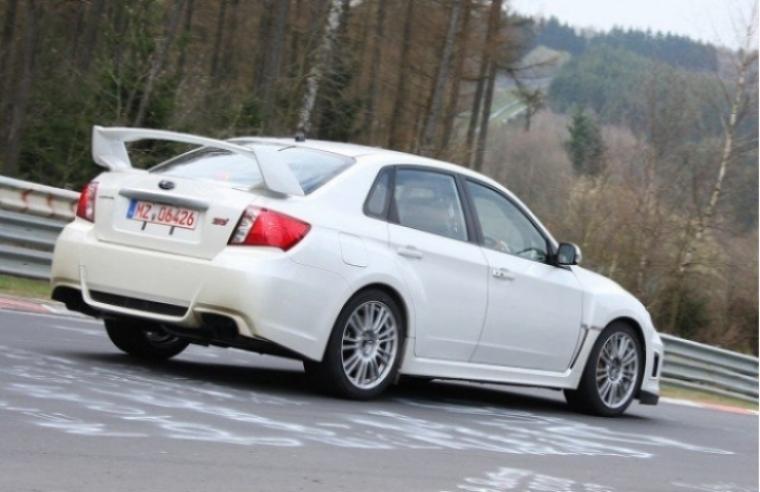 Subaru Impreza WRX STI 2011 en acción