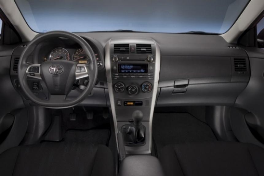 Toyota le lava la cara al Corolla 2011. Primeras imágenes oficiales.