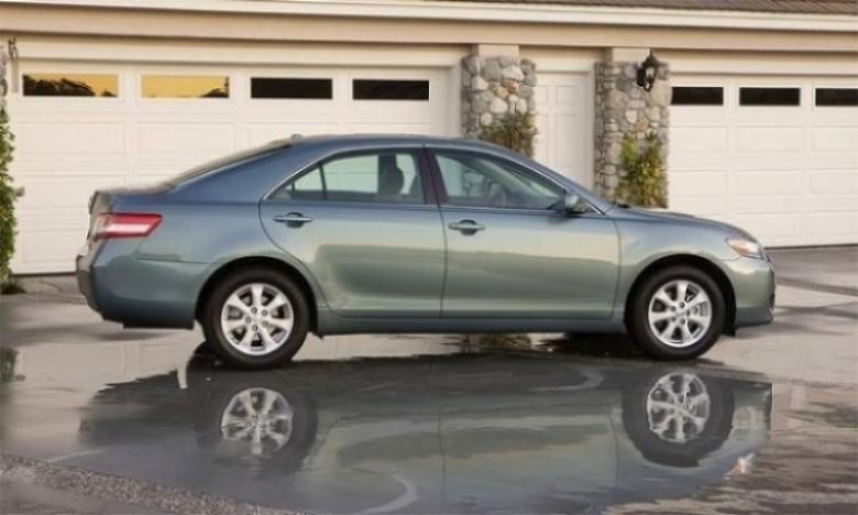 Toyota llama a revisión a 2.3 millones de vehículos.
