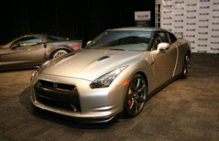 Y la bestia del año es...... Nissan GT-R