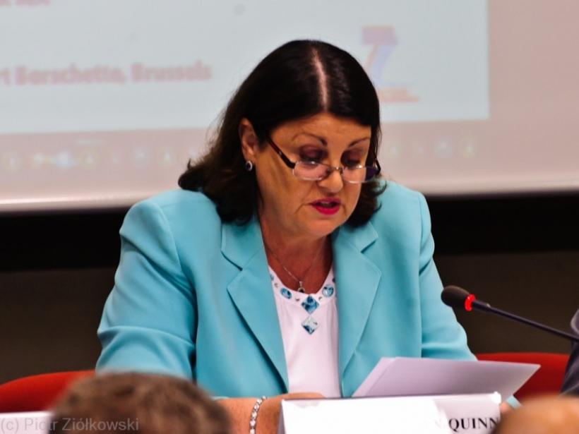 Máire Geoghean-Quinn, comisaria europea de Investigación, Innovación y Ciencia, visita el EUCAR