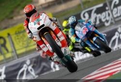 Bradl no decidirá si sube o no a Moto GP antes de mediados de agosto