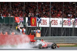 Mclaren con problemas: La mala suerte se ha cebado con Hamilton y sobre todo con Button