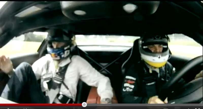 Nico Rosberg pone los pelos de punta a David Coulthard sobre un SLS AMG