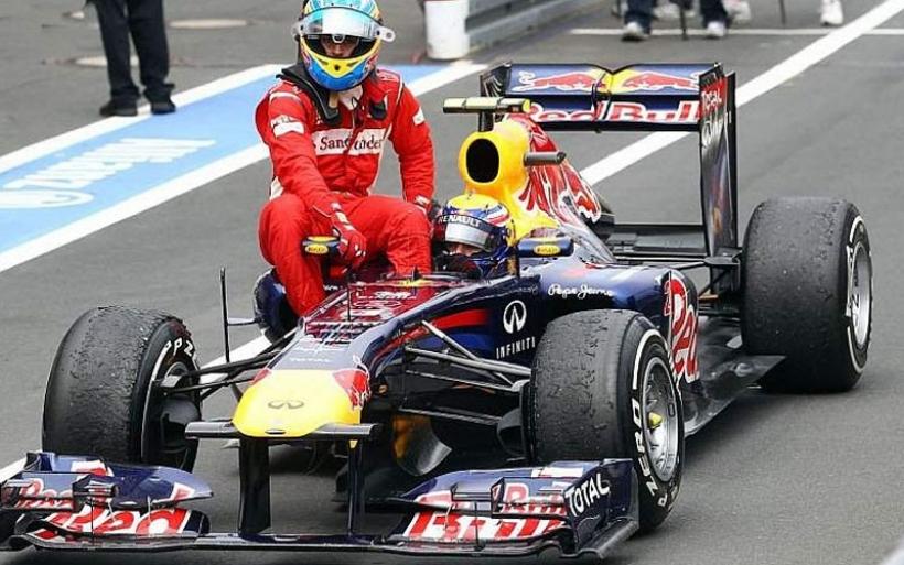Webber: Hice de taxista para Alonso