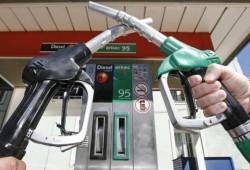 La gasolina y el gasóleo bajan hasta en un 2%