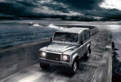 Nuevo Land Rover Defender con motor 2.2 diésel DPF y nuevos paquetes de opciones