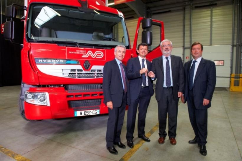 Norbert Dentressangle recibe los primeros vehículos híbridos de Renault Trucks