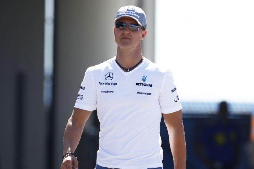 Schumacher mantiene aún abierto su futuro y reitera que en 2012 seguirá corriendo
