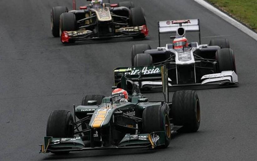 Trulli arremete contra Sergio Pérez
