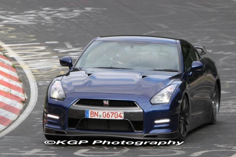 El Nissan GT-R 2013 rueda en Nurburgring
