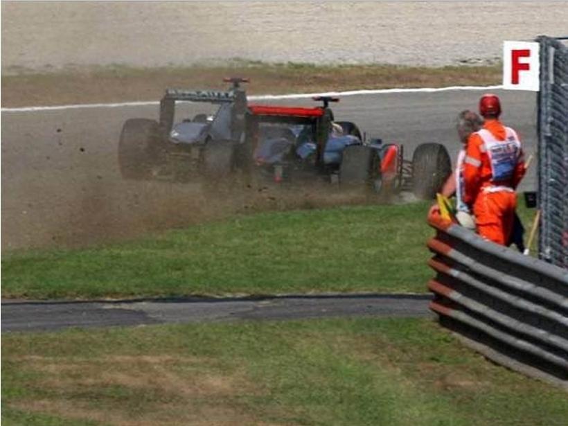 No sancionan a Schumacher por un descuido del comisario
