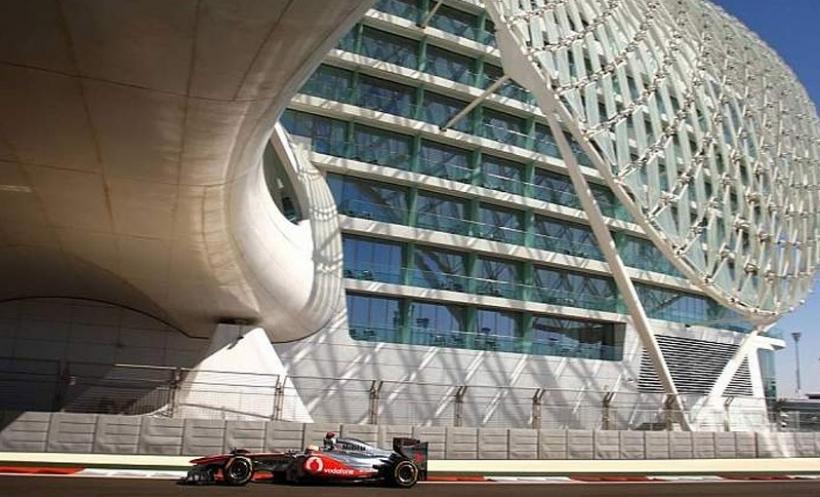 GP Abu Dhabi 2011, Libres 2: Hamilton el más rápido, Alonso tercero