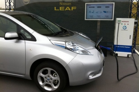 El Nissan Leaf podrá dar energía a los hogares