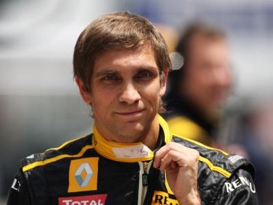 Petrov: No puedo hablar mal de Renault por mi contrato