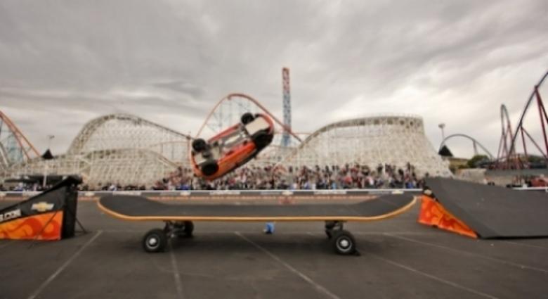 Haciendo acrobacias con un Chevrolet Aveo