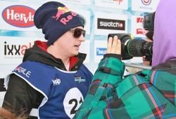 Raikkönen sufre un accidente en moto de nieve y solo se hace daño en la muñeca