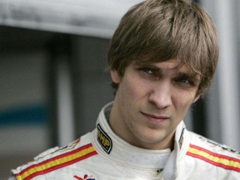 Petrov será piloto Pirelli si no encuentra asiento