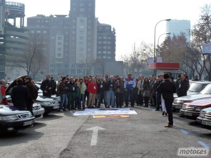 """Concentración de apoyo a Saab en Madrid: """"We are many, we are Saab"""""""