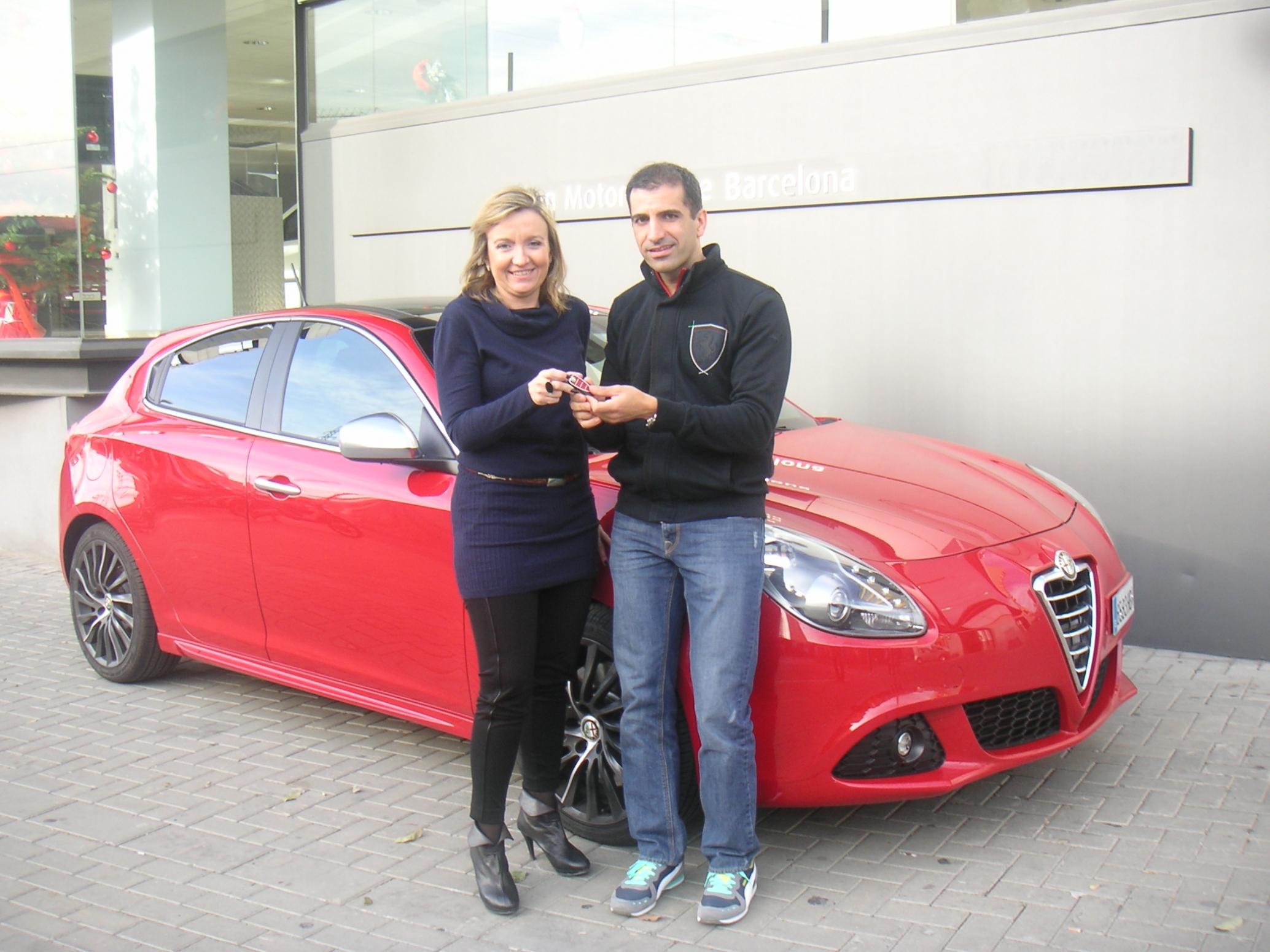 Marc Gené recibe un Alfa Romeo Giulietta Quadrifoglio