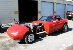 Bendita locura: Mazda MX-5 con motor V16