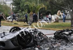Destrucción total para un Ferrari F430 en las calles de Atenas