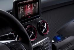 Mercedes-Benz comienza a revelar el Clase A 2012